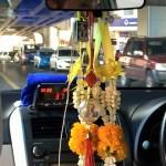 【タイ注意情報】タクシーのメーター近くに青いタオルがある運転手には注意